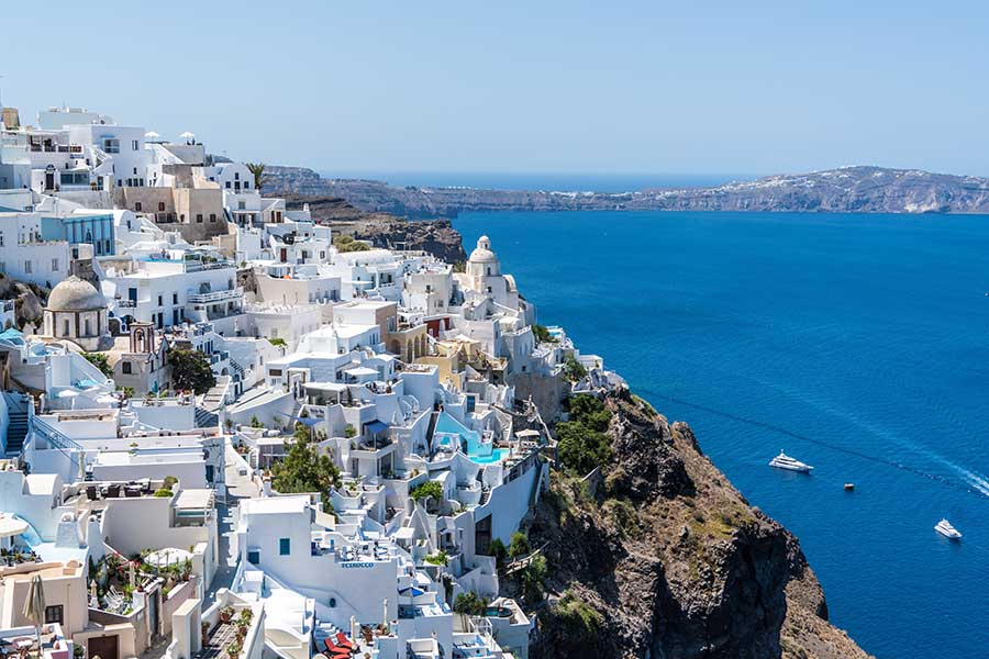 """Central Holidays Unveils """"A Year of Traveling our Top Destinations"""" Guide"""