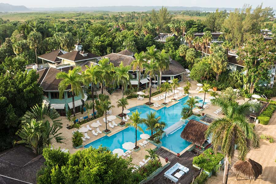 Couples Resorts Expands Worry-Free Guarantee Penalty-Free Cancellation Policy